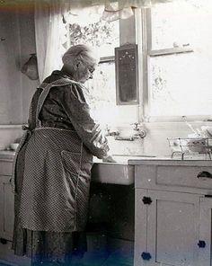 2264ba82538bfc88072d74f06104640b--kitchen-sinks-kitchen-countertops